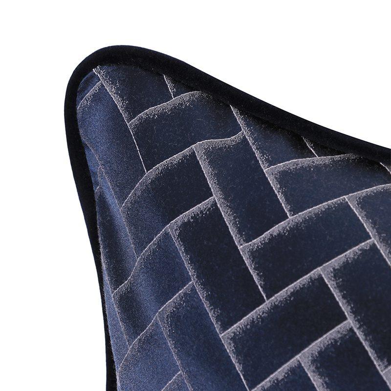 manuel papillon cushion