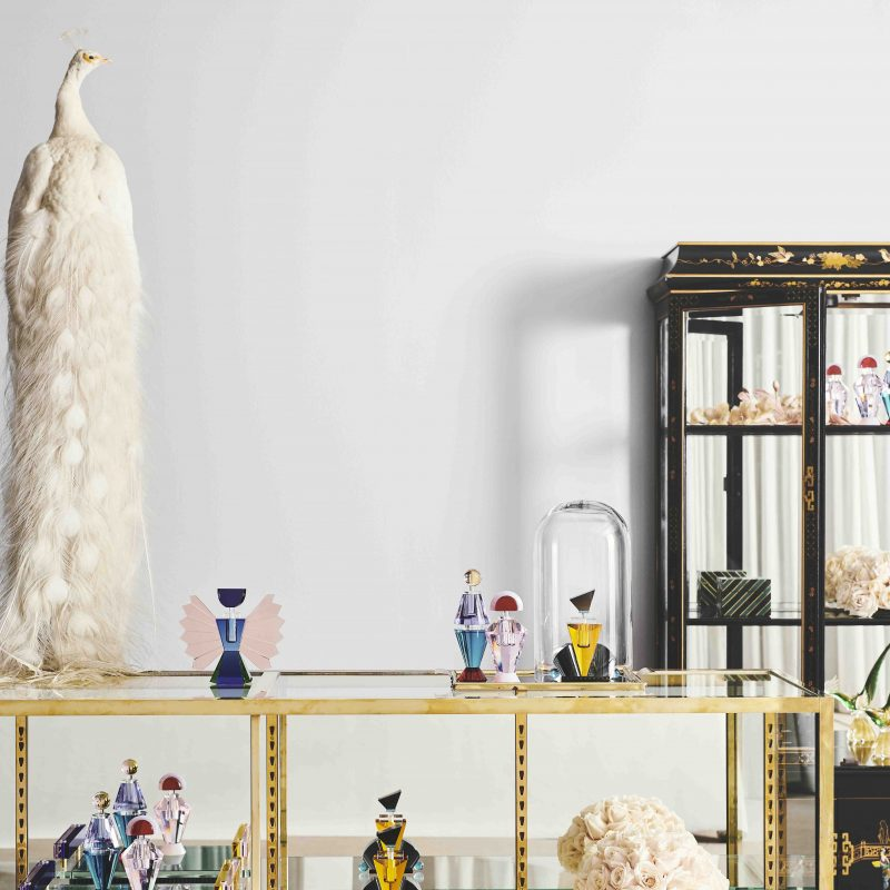 lifestyle image perfume flacons